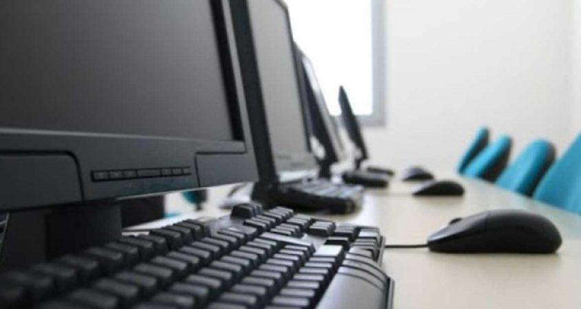Πέφτουν υπογραφές για την προμήθεια 10.500 ηλεκτρονικών υπολογιστών στην ΑΑΔΕ